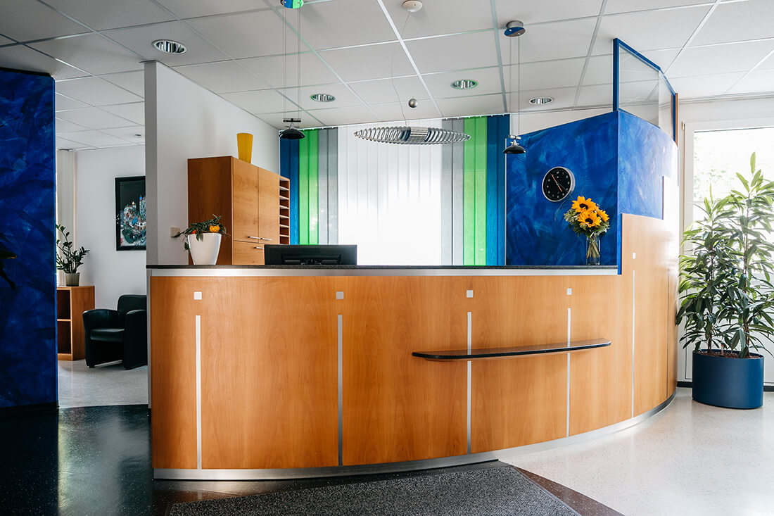 Zahnarzt Ulm - Dr. Wachter - Sanfte Zahnheilkunde - Praxis - Empfang