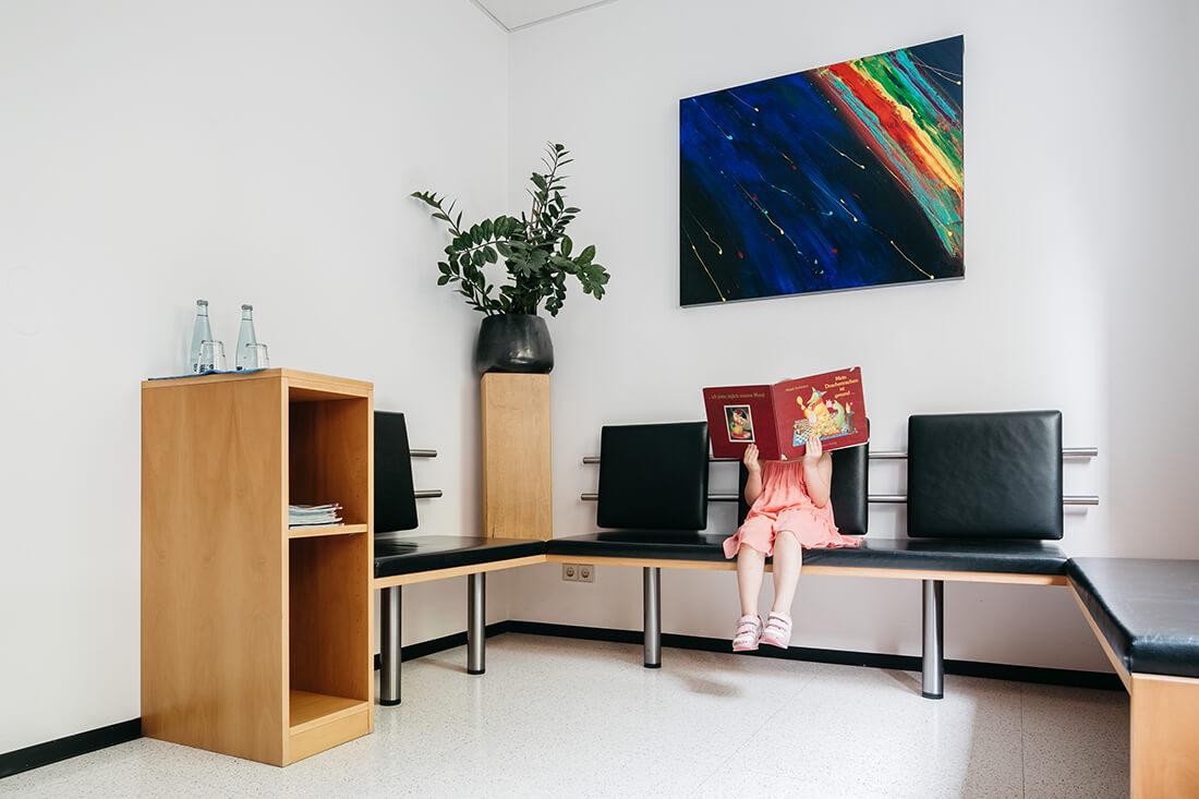 Zahnarzt Ulm - Dr. Wachter - Sanfte Zahnheilkunde - Praxis - Wartezimmer