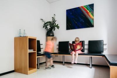 Zahnarzt Ulm - Zahnarztpraxis Dr. Wachter - Sanfte Zahnheilkunde - Praxis - Wartezimmer
